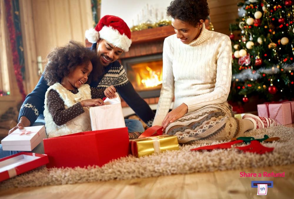 Parcel-Lockers-holiday-christmas-Amazon-UPS
